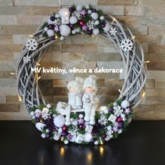 Svítící věnec XXL Decor Crafts, Home Decor, Xmas Decorations, Grapevine Wreath, Diy Tutorial, Christmas Wreaths, Halloween, Inspiration, Crowns