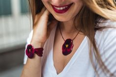 Bracelet and necklace handmade with real Pansy flowers