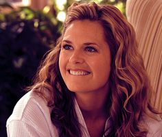 Maggie Lawson being adorable.