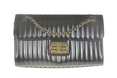 Chanel Classic Boy lock Flap Bag - Chanel Band New Boy lock Shoulder Bag.  This purse never used. Bag surface is clean. No wear and no damage to this purse. Inside is clean.This purse comes with authenticity card and dust bag. No box. Please view all listing pictures for detail before you want to buy this purse.