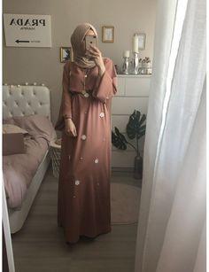Jennah Boutique -NINA LOUNGE ROBE (ROSE) Muslim Women Fashion, Arab Fashion, Fashion Wear, Modest Fashion, Fashion Dresses, Fashion Tips, Hijab Evening Dress, Hijab Dress Party, Mode Abaya