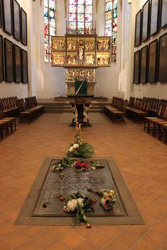 Grave of Johann Sebastian Bach and altar, in Leipzig