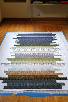 quilt sandwich, I wonder if this is the pattern I was going to make with my solids? My chemo quilt. (Gloria)