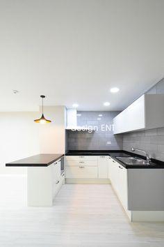 중림동 삼성래미안 23평형 리모델링 좁은 현관이지만 패턴타일을 이용하여 집의 첫인상을 한층 개성있게 연...