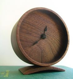 Minimal Wood Clock :: Off Cut Studio « Grassroots Modern – A shelter blog focusing on affordable modern furniture and accessories.