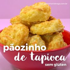 Pãozinho de tapioca sem glúten para um lanche saudável e sem culpa. Healthy Dinner Recipes, Breakfast Recipes, Vegetarian Recipes, Cooking Recipes, Tasty Videos, Food Videos, Good Food, Yummy Food, Diy Food