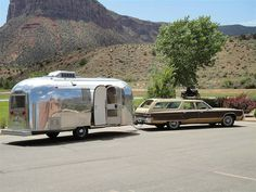 Vintage 1966 Airstream Safari with 1977 Chrysler Town & Country Wagon. © http://www.vintage-airstream.com