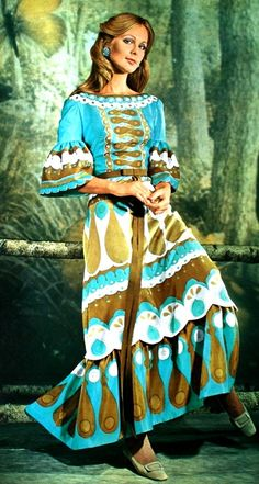 Jours de France Collections de Printemps 1971 Long colorful dress with sleeves trimmed with a wide ruffle by Carven