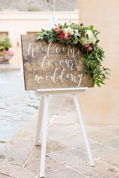 Custom wedding welcome sign by Jenna Davis Writes | Photo by Melodee Lynn Photography