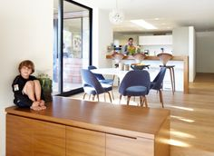 g u b a n architecture White Oak Floors, Modern Architects, Conference Room, Flooring, Architecture, Kitchen, Table, Furniture, Home Decor