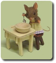 miniatures for dollhouses | ... Kristy Taylor creating dollhouse miniatures animals in 1:12 scale