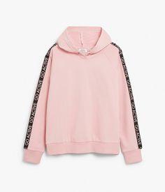 Träningströja med luva i rosa | Barn | KappAhl Barn, Sweatshirts, Sweaters, Fashion, Gloves, Moda, Fashion Styles, Pullover, Sweatshirt