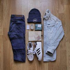 or: #WDYWTgrid by @gvstavo1 #WDYWT for on-feet photos #WDYWTgrid for outfit lay down photos •