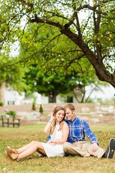 To view more of this Fall Petros Park engagement session in ...