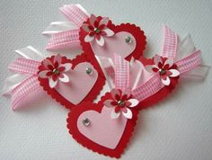 HeaRT ❤️ eMBeLLiSHMeNTS Valentine Day Crafts, Valentines, Candy Cards, Scrapbook Embellishments, Scrapbook Paper Crafts, Paper Flowers, Gift Tags, Diy And Crafts, Handmade