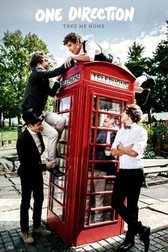 one direction & one direction + one direction memes + one direction wallpaper + one direction imagines + one direction aesthetic + one direction tattoos + one direction lyrics + one direction funny Imagines One Direction, Banda One Direction, Four One Direction, One Direction Lockscreen, One Direction Wallpaper, One Direction Pictures, One Direction Photoshoot, Direction Quotes, 1d Imagines