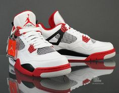 Jordan Air Jordan 4 Retro , Step ur Sneaker game Up. Air Jordan Retro, Air Jordan Shoes, Sneakers Mode, Sneakers Fashion, Fashion Shoes, Mens Fashion, Nike Air Jordans, Retro Jordans, Jordans 2014