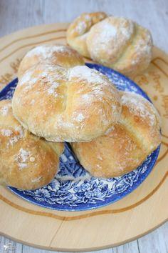 Pan Bread, Bread Cake, Bread Recipes, Cake Recipes, Cooking Recipes, Sweet Bakery, Piece Of Bread, Bread Rolls, Dough Recipe