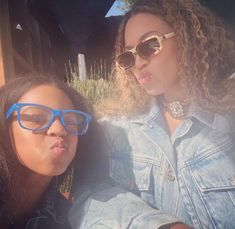 Blue Ivy Carter, Beyonce Knowles Carter, Beyonce And Jay Z, Celebrity Yearbook Photos, Celebrity Pictures, Beyonce Family, Beyonce Instagram, Taylor Swift Songs, Online Photo Gallery