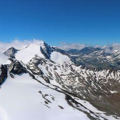 The mountains are calling and I must go  John Muir  View from the summit of Kitzsteinhorn.   #kaprun #zellamsee #zellamseekaprun #kaprunzellamsee #kitzsteinhorn  #austrianalps  #austria #österreich #hohetauern #hiking #hikingwithkids #wanderlust #fernweh #getamoveone #seetheworld #noregrets #travelphotography  #travel #mountainlife #photooftheday  #theglobalwanderer  #discoveraustria #365austria #österreich #austriavacations #visitaustria  #austrianblogger  #travellerau #tw #pin Zell Am See, Alpine Village, Visit Austria, Hiking With Kids, The Mountains Are Calling, John Muir, Alps, Mount Everest, Travel Photography
