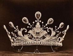 Paget Tiara, United Kingdom (1902; made by Boucheron; emeralds, diamonds). Made for Lady Paget.