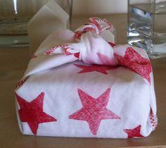 Emballage en tissu (impression) pour Noël