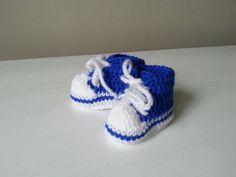 trampeczki na szydełku crochet booties video tutorial Crochet Baby, Baby Shoes, Beanie, Kids, Clothes, Youtube, Google, Fashion, Shoes