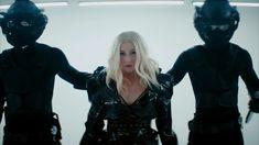 """O Significado Oculto de Christina Aguilera e Demi Lovato """"Fall In Line"""