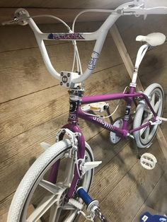 Vintage Bmx Bikes, Gt Bmx, Bmx Freestyle, Bmx Bicycle, Bicycle Design, Bicycles, Mountain Biking, Old School, Skate