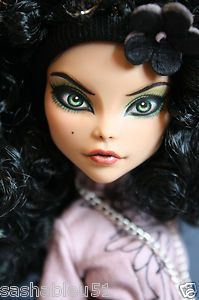 """OOAK Custom Monster High Doll Repaint with Outfit """"Lizzy"""" by Artist Sashableu 
