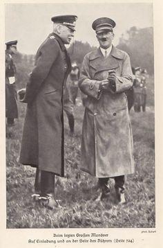 Beim letzten Großen Manöver Auf Einladung und an der Seite des Führers. Adolf Hitler und Hans von Seeckt bei einer Militärübung