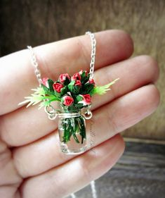 Red Rose Bouquet Necklace / Sterling Silver / door DoodleBirdie