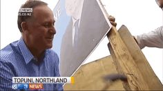 The prime minister of New Zealand attempting to use a hammer>>>More Awkward Moment>>>Click Pic