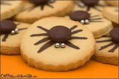 cute and easy!  spider-cookies