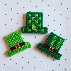 Plastic Canvas: Saint Pat's Hats Magnets (set of 3)