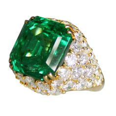 1980's Diamond, Emerald and Gold Ring