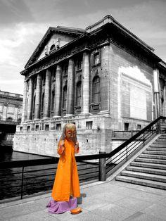 Museumsinsel mit Orange-Artist