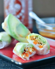 Fresh and Flavorful Avocado Shiitake Spring Rolls - for those light meals you crave as weather warms up - crispy crunchy creamy textures and bright flavor! Asian Recipes, Real Food Recipes, Vegetarian Recipes, Yummy Food, Healthy Recipes, Free Recipes, Vegan Vegetarian, Vegan Appetizers, Appetizer Recipes