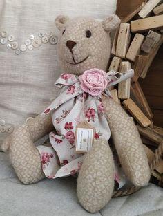 PASTU domov: Vlněný medvídek v šatičkách Teddy Bear, Toys, Animals, Activity Toys, Animales, Animaux, Clearance Toys, Teddy Bears, Animal