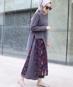 Vous cherchez commentComment porter la robe chemise en automne? Alors, dans ce post nous vous proposons55 Styles de robe chemise pour vous aider à bien porter avec votre look de hijab. inspirez vous! Vous en dites quoi? commentaires