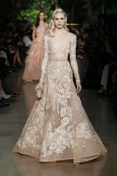 Elie Saab Haute Couture fashion show Elie Saab Haute Couture, Style Haute Couture, Couture Fashion, Runway Fashion, Spring Fashion, Ss15 Fashion, Beautiful Gowns, Beautiful Outfits, Paris Fashion Week 2015