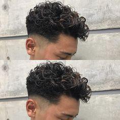 Fade Haircut Curly Hair, Taper Fade Haircut, Wavy Hair Men, Curly Hair Styles, Man Bun Hairstyles, Permed Hairstyles, Hipster Haircut, Haircut And Color, Wild Hair