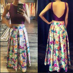 i just love the back. courtesy: crossoverbollywoodse Choli Dress, Sari Blouse, Saree Blouse Designs, Blouse Patterns, Princess Cut Blouse, Indian Blouse, Indian Attire, Indian Wear, Indian Dresses