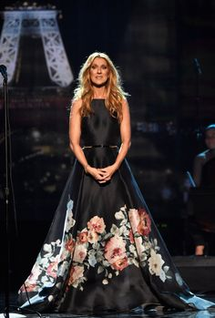 Pin for Later: Only Queen Mother Celine Dion Could Pay Such a Touching Tribute to the Paris Attacks
