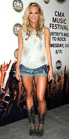 She's gorg! Awesome legs. What I'd wanna wear to Kenny Chesney& Tim McGraw this summer
