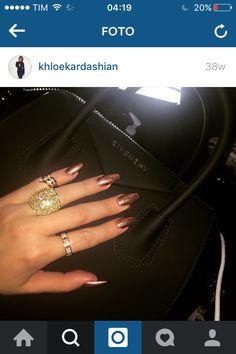 Khloé Kardashian nails <3
