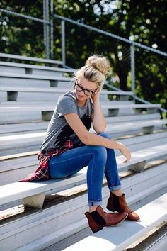 I had to post it. It's such a good color of plaid + the grey shirt contrasts well with the blue jeans + the chelsea boots. Wow.