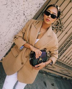 What is fall without good old camel coat or wool-blend camel blazer? Camel Blazer, Blazer Outfits, Blazer Fashion, Sleevless Blazer, Blazer Dress, Dress Outfits, Camel Coat Outfit, Beige Blazer Outfit, Womens Fashion