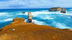 so beautiful.. #australia #greatoceanroad #sea #12apostles #bird #roadtrip #spring #nature #waves #beautiful #travel by juli5129
