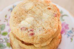Bakergirl: White Chocolate Raspberry Cheesecake Cookies.